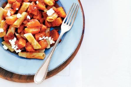 Penne met pompoen/tomaatsaus