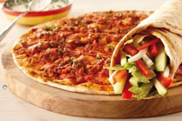 Turkse Pizza (lahmacun)