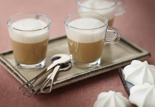 Koffiecustard met karamel-melkschuim