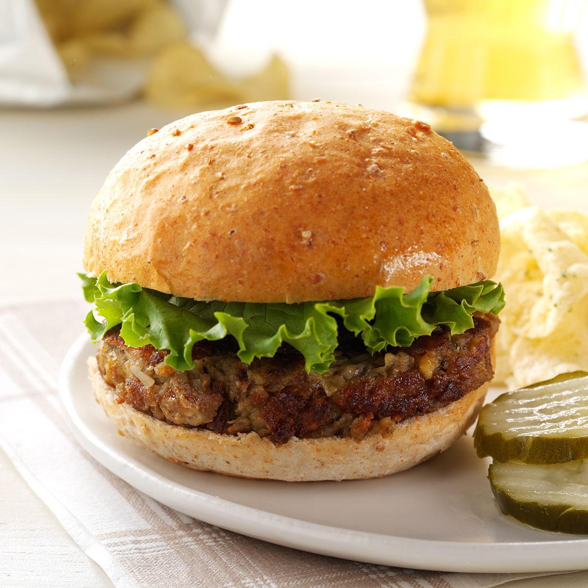 Vegaburger met linzen, champignons en geitenkaas