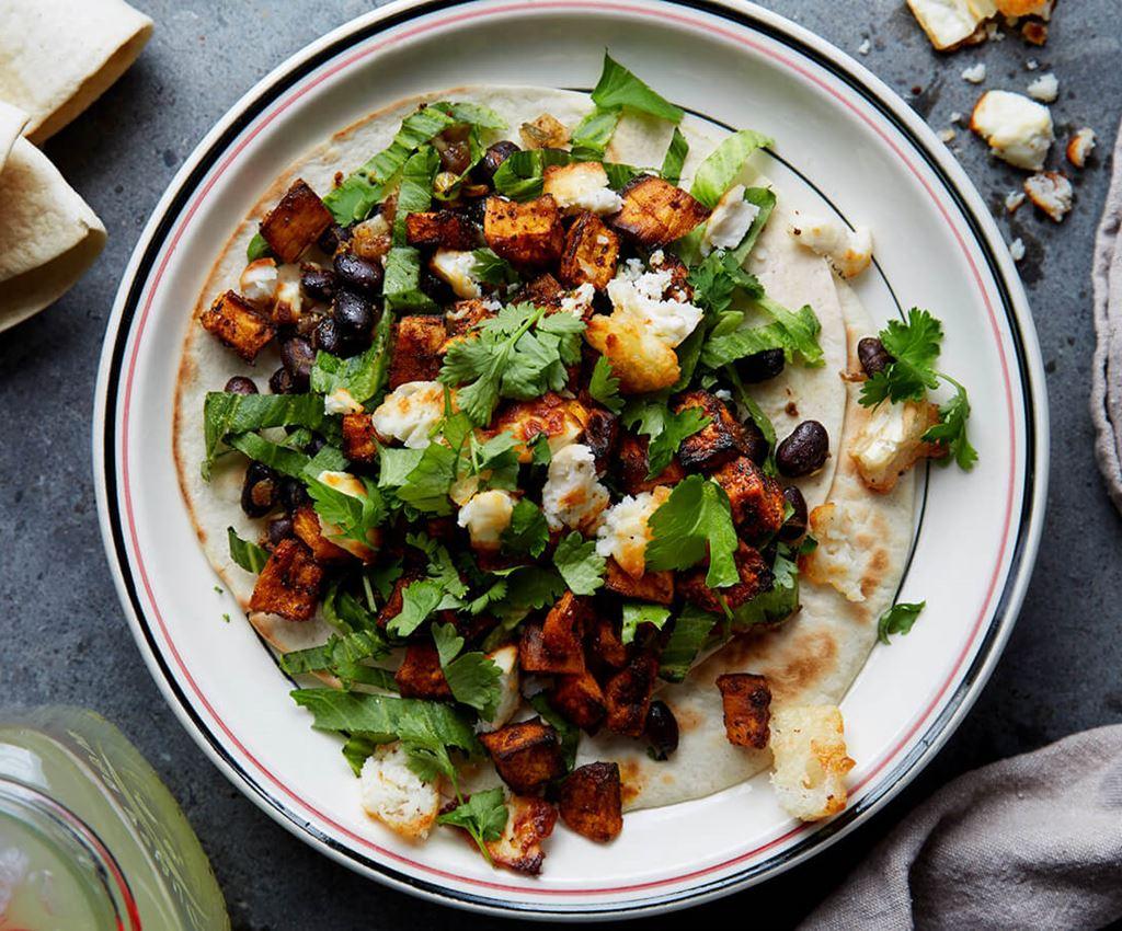 Tortilla met zoete aardappel en geitenkaas