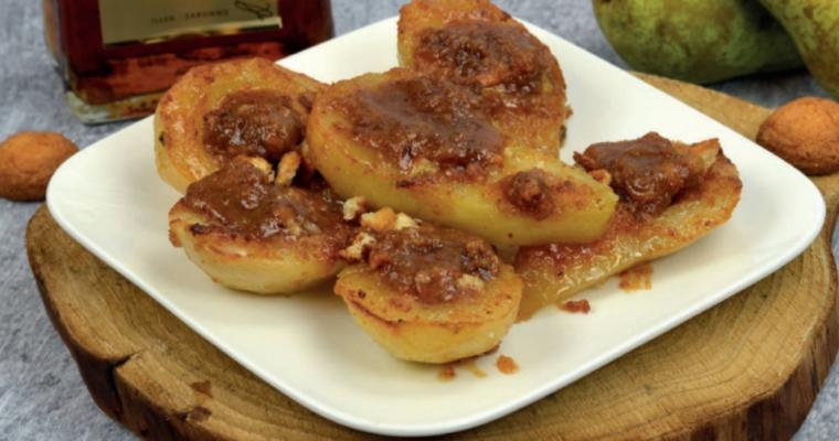 Peren met bitterkoekjes dessert