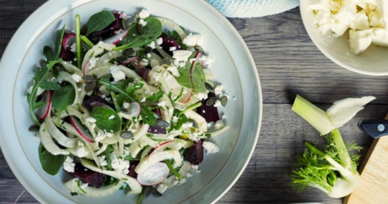 Venkel salade met biet en pompoenpitten
